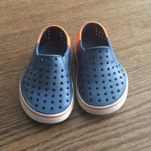 "Toddler Natives ""Myles"" size 7"